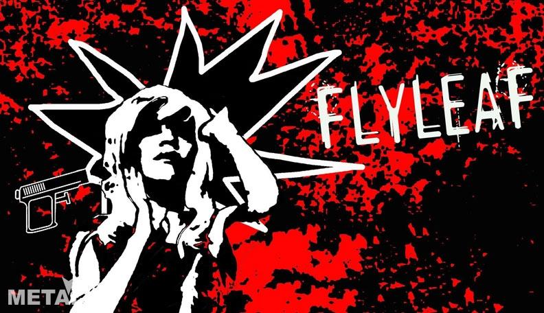 Вокалистка Flyleaf Лесли Мослей и пистолет