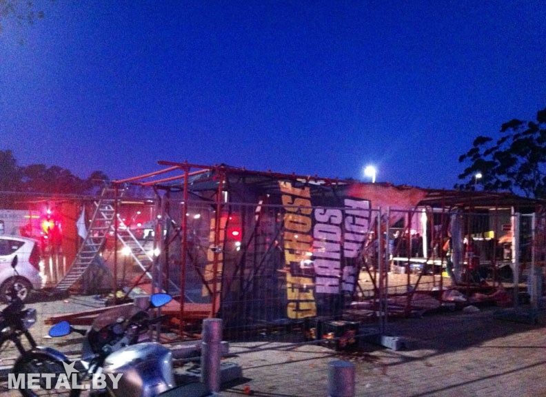 Падение башни на конце Linkin Park в Кейп Тауне