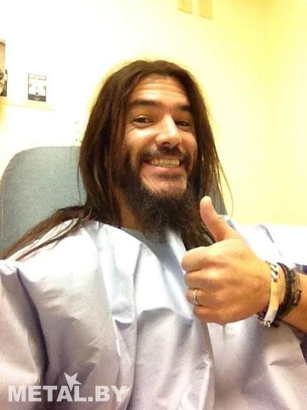 Робб Флинн сразу после операции
