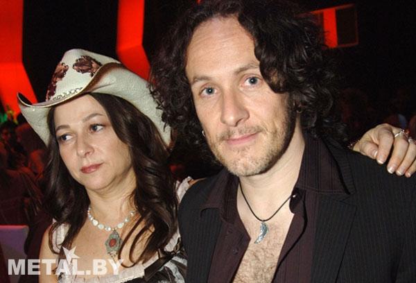 Гитарист Def Lepard Вивиан Кэмпбелл с женой Джули